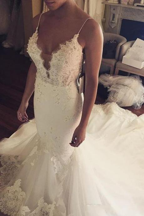 2017 Sexy Vintage Spaghetti-Straps Mermaid Wedding Dresses Lace Appliques Tulle Sleeveless Sweep Train Garden Wedding Bridal Gowns Custom